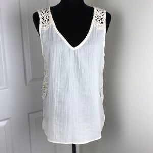 Love Stitch boho ivory tank with crochet lace